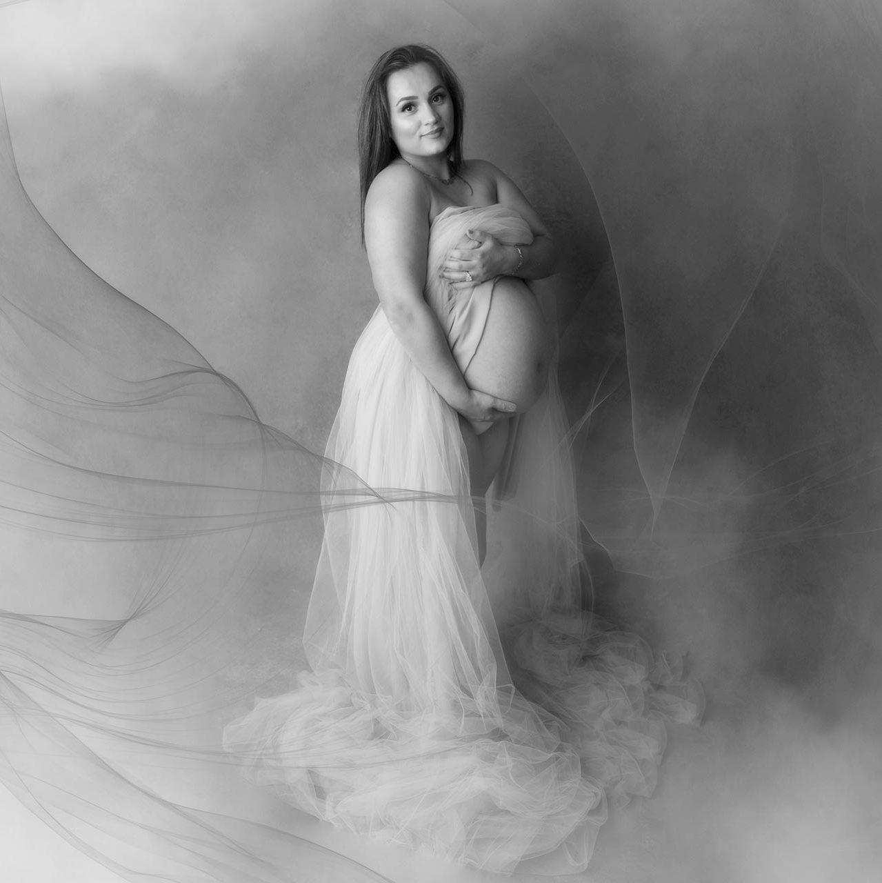 maternity-photo-studio-surbiton